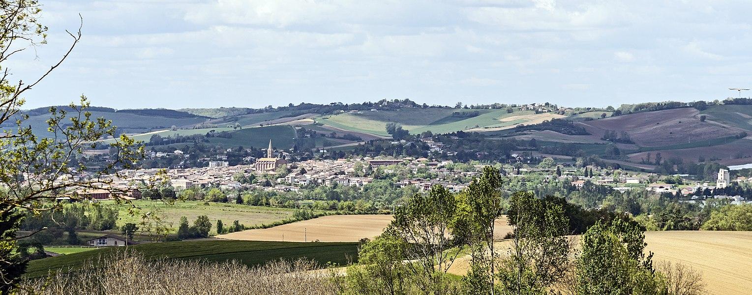 English:  Beaumont-de-Lomagne