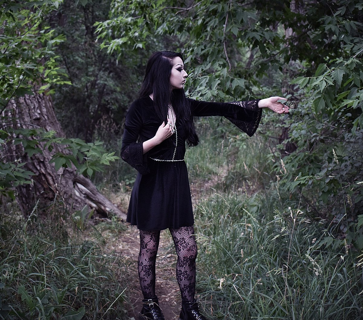 goth subculture As everything evolves, so does goth subculture there is so little left from  traditional gothic scene, such as big hair, pointy shoes and music.