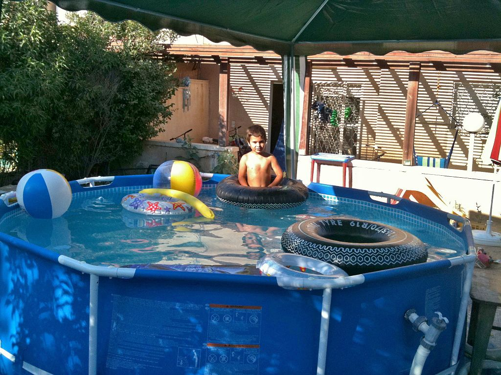 File beersheba elevates small swimming pool img 3834 jpg for Stahlrahmen pool 366x122