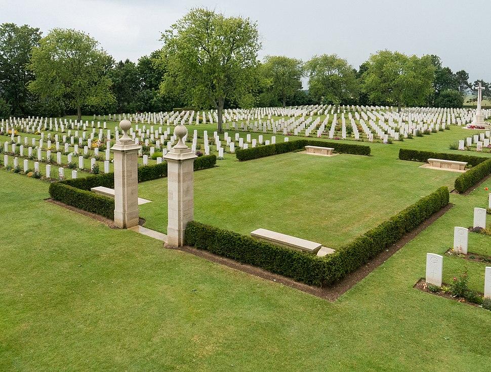 Beny-Sur-Mer Canadian War Cemetery -7