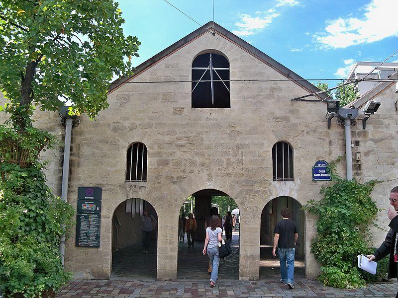 Fichier:Bercy Village Entrepot.JPG