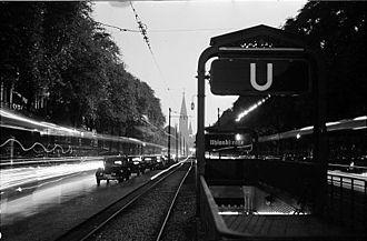 Uhlandstraße (Berlin U-Bahn) - Uhlandstraße station, 1937
