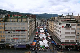 Biel/Bienne - Apartments and street market near the train station