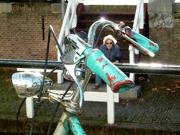 Bike handlebars, Nieuwe Gracht, Utrecht, 120930.JPG