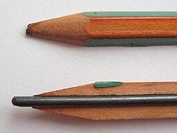 Bleistift halbiert 02