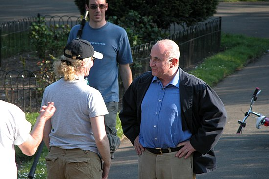 Hoskins filming Ruby Blue in 2007 Bob Hoskins-1.jpg