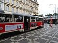 Bolzanova, zastávka Hlavní nádraží, tramvaj 26.jpg