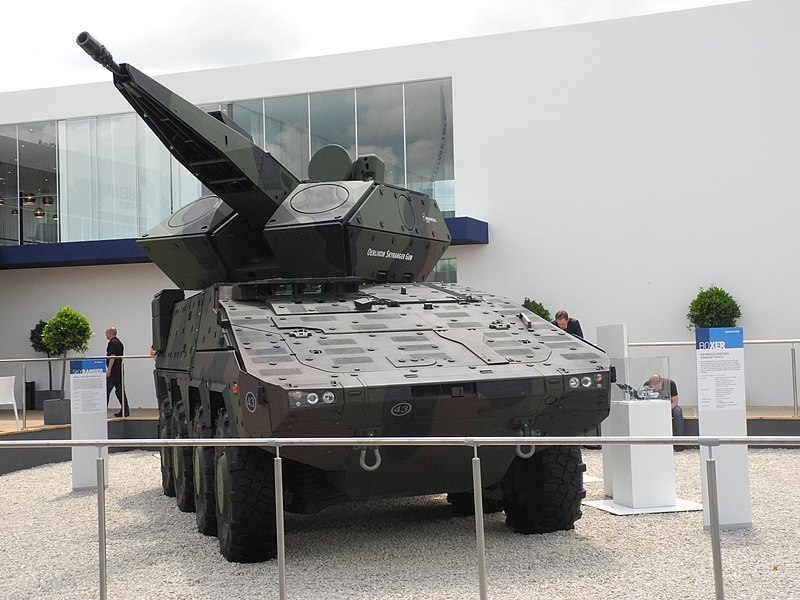 800px-Boxer_fitted_with_the_Oerlikon_Skyranger_air_defence_system.jpg