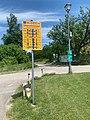 Bridges sign in Donauradweg Wachau.jpeg