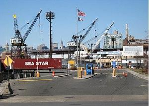 Brooklyn Navy Yard main gate jeh.jpg