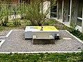 Brunnen auf dem Gelende der Bungertwies Schule.jpg