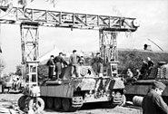 Bundesarchiv Bild 101I-244-2323-25A, Panzer - Instandsetzung