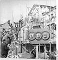 Bundesarchiv Bild 183-82842-0002, Tessin, Straßenschmuck zur Friedensfahrt.jpg
