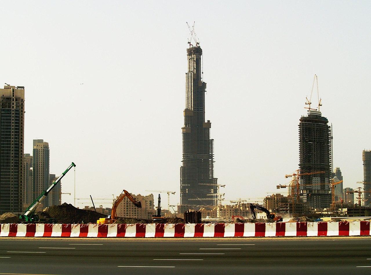 برج خليفة فى الامارات 1280px-Burjdubaifeb2107