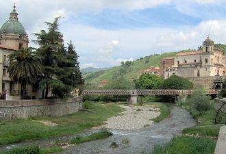 Busento - The Busento River, as seen in Cosenza's historical centre.