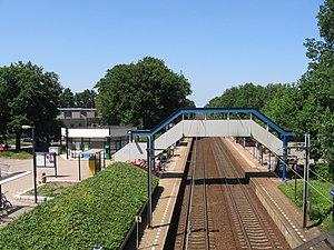 Bussum Zuid railway station - Image: Bussum 17juni 2006 011
