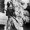 COLLECTIE TROPENMUSEUM Jonge Balinese danseres TMnr 10004723.jpg