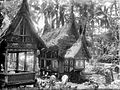 COLLECTIE TROPENMUSEUM Minangkabau begraafplaats TMnr 10026840.jpg