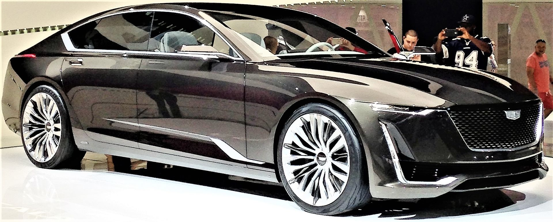 Cadillac Escala - Wikipedia