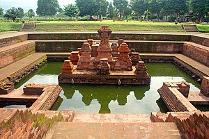 Trowulan - Candi Tikus bathing place