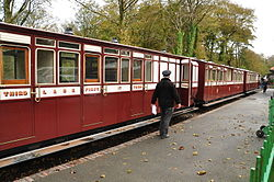 Carriages at Woody Bay railway station (1084).jpg