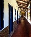 Casa do Cônego - Corredor interno direito.jpg