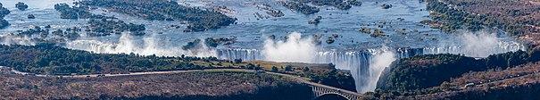 Cataratas Victoria, Zambia-Zimbabue, 2018-07-27, DD 16-20 PAN.jpg