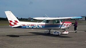 Cessna 152 Paraparaumu Airport Aero Day 1.jpg