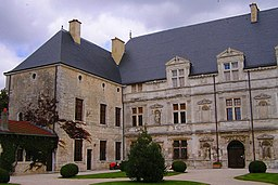 Chateau montbras-ext.jpg