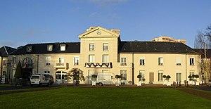 Chelles, Seine-et-Marne - Image: Chelles Hotel de Ville pano 2