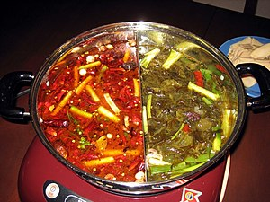 English: Traditional Chengdu-style hotpot