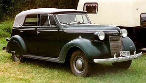 Chrysler Convertible Sedan 1937.jpg