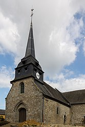 Clocher de l'église Saint-Melaine de Vignoc, France.jpg