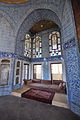 Cobalt blue Iznik tiles - Topkapi Palace (8396722380).jpg
