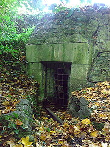 The small gatehouse of Conduit Head leads through to several subterranean chambers