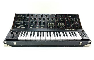 Crumar - Image: Crumar Digital Synthesizer DS2 (front)