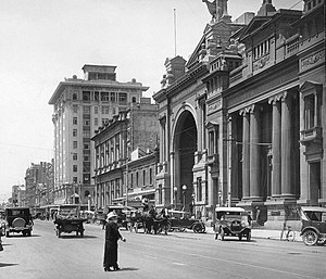 Adelaide city centre - Currie Street looking east, circa 1925