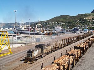 Main South Line - DSG 3127 with a shunt of empty timber wagons at Lyttelton