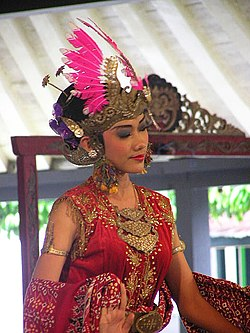 A dancer wearing rouge.