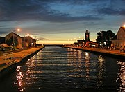 Darłówko nocą - ujście Wieprzy