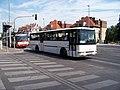 Dejvice, Evropská, u ulice Na pískách, autobusy.jpg