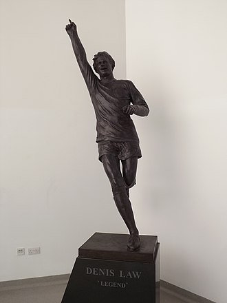 Denis Law - statue to Law in Aberdeen