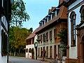 Die Geschenktruhe in Mettenheim - panoramio.jpg