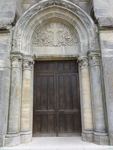 Dommiers (Aisne) église, portail