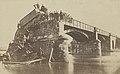 Duitse locomotief op de brug bij Le Theux, kapotgeschoten tijdens de Frans-Duitse oorlog van 1870-71, RP-F-2017-19-3.jpg