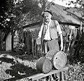 """Dve """"banki"""" (ena večja za 15 l in manjša za 5 l) za vino ali vodo, Orehovec 1956.jpg"""