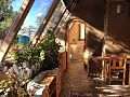 Earthship-interior5 (17737022180).jpg