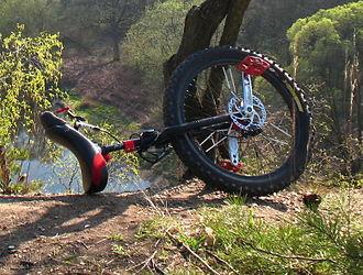 Mountain unicycling - Disc braked mountain unicycle (Qu-ax/Kris Holm)