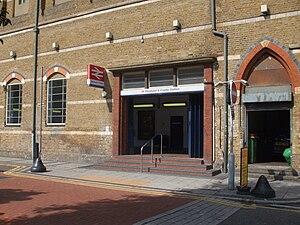 Elephant & Castle railway station - Image: Elephant & Castle railway stn entrance