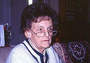 Elizabeth Hawley - Elizabeth Hawley in her flat in 1999